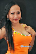 Junenarry is a sexy Filipina lady who says her heart is empty and she needs a real man