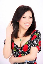 44-year-old Li is a divorced Chinese lady