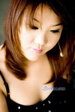 Julie is a 34-year-old Chinese lady who enjoys jogging and tennis