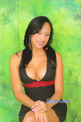 Bercilanis is a young Colombian girl with nice curves